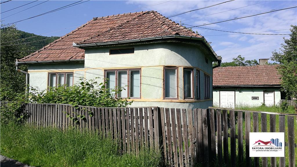 Casa Mobilata si Utilata de Vanzare in Rastolita