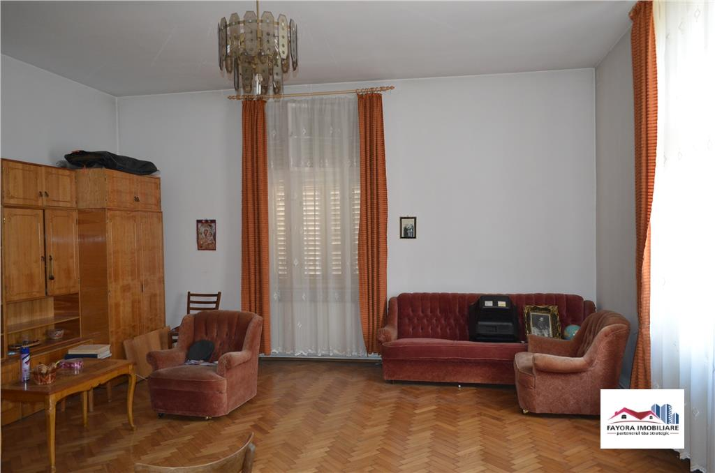 House for Sale in Semicentral Area