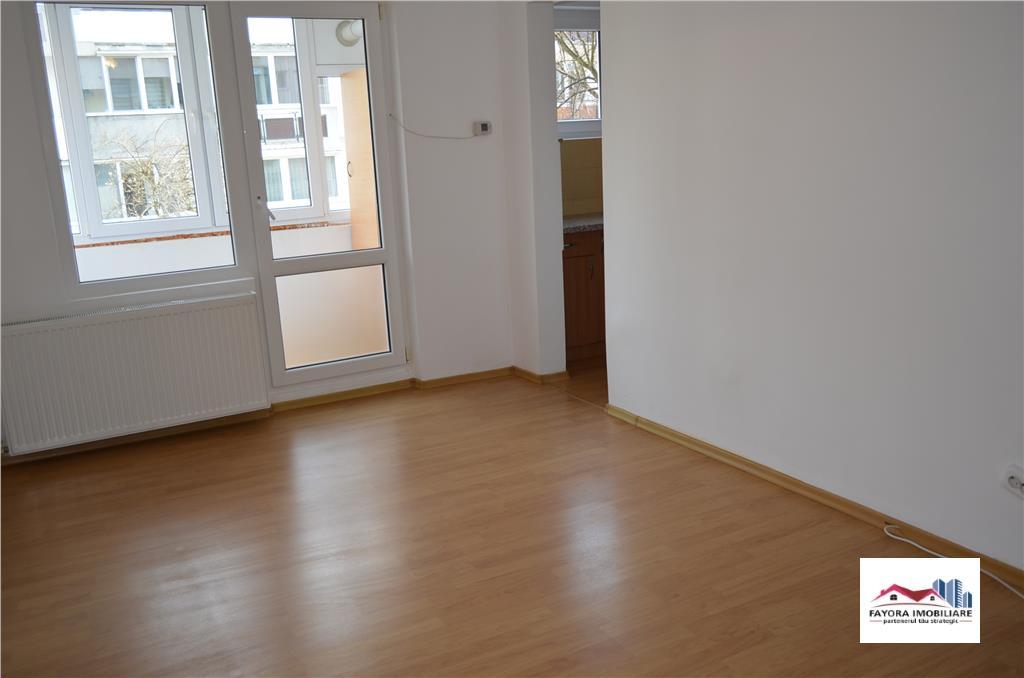 Apartament cu 1 Camera de Vanzare in Zona Tudor