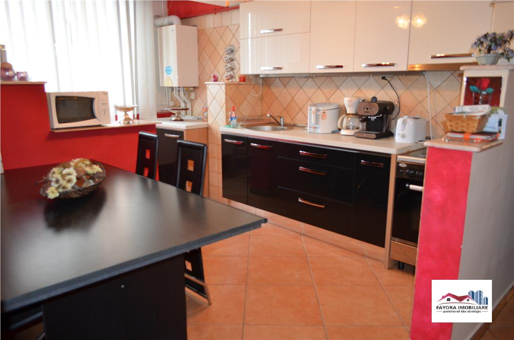 Apartament 3 Camere Mobilat si Utilat de Vanzare in Zona Dambu Pietros