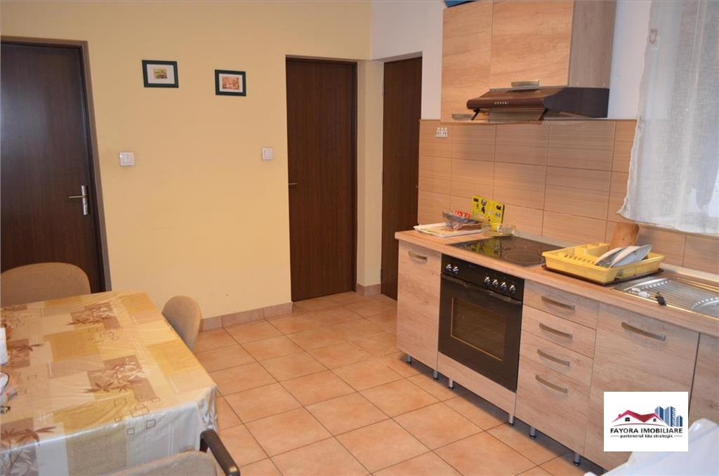 Apartament cu 2 Camere de Inchiriat Semicentral in Vila
