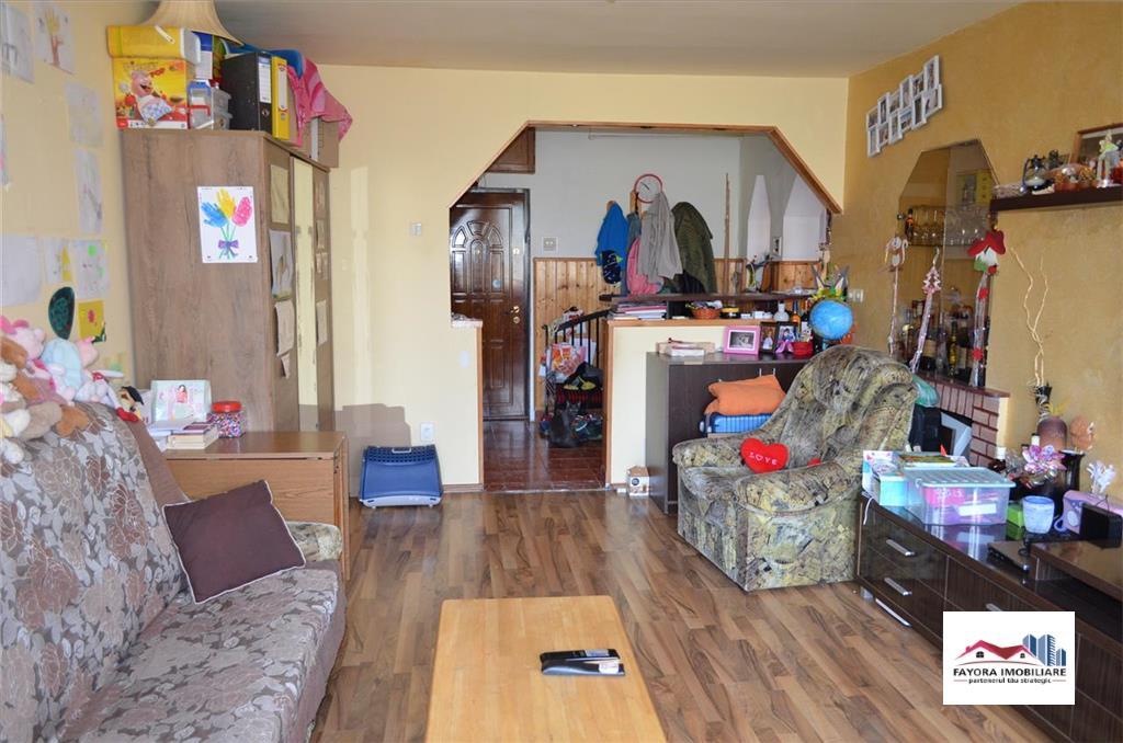 Apartament cu 2 Camere de Vanzare in Zona Super