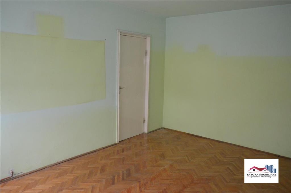 Apartament cu 2 Camere de Vanzare in Zona Semicentrala