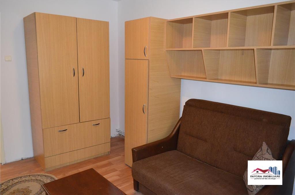 Apartament cu 2 Camere de Inchiriat in Zona 7 Noiembrie