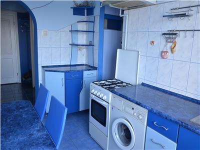 3 Rooms Apartment for Rent in Semicentral Area
