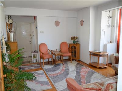 2 Rooms Apartment with Garage for Sale in Semicentral Area